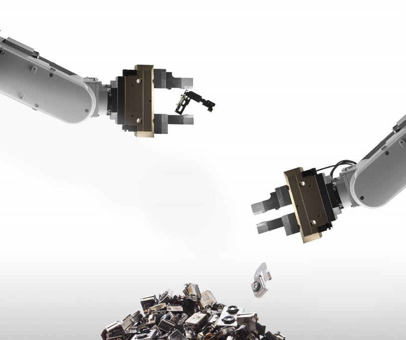 Apple's Disassembly Robot Daisy Reclaims Valuable Components From iPhone