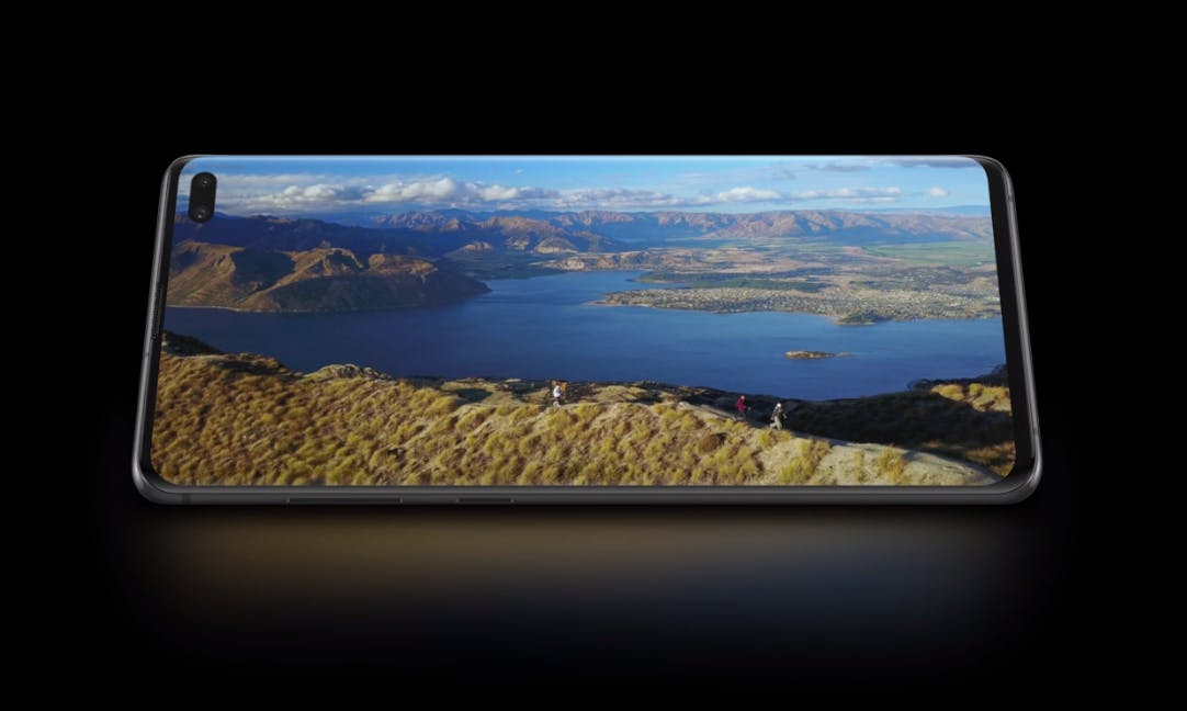 Samsung Galaxy S10 Plus sports a 6.4-inch AMOLED HDR10+ Display Source: Samsung